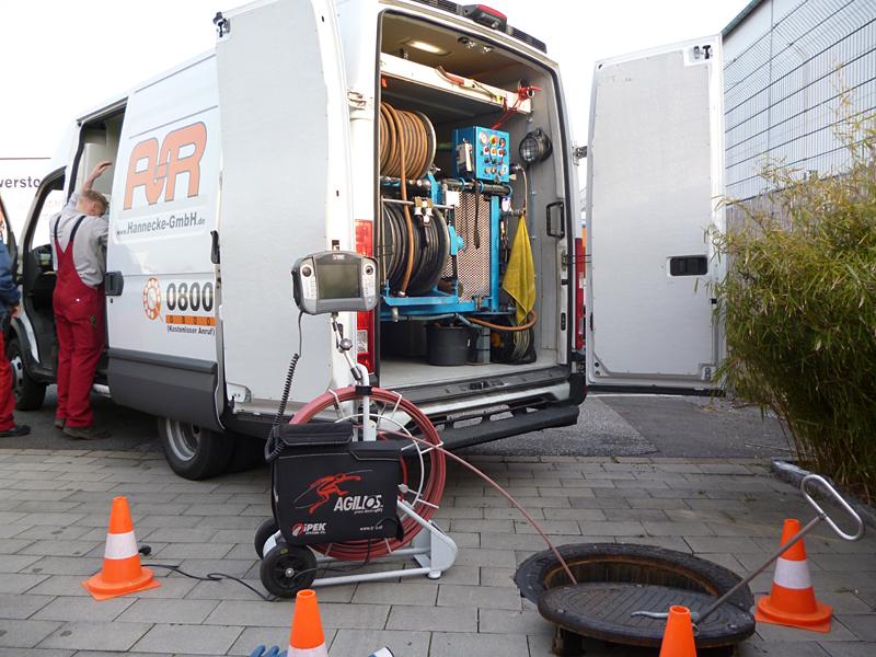 Velbert Rohrreinigung mit 24 Stunden Notdienst bei Verstopfung und Rohrbruch